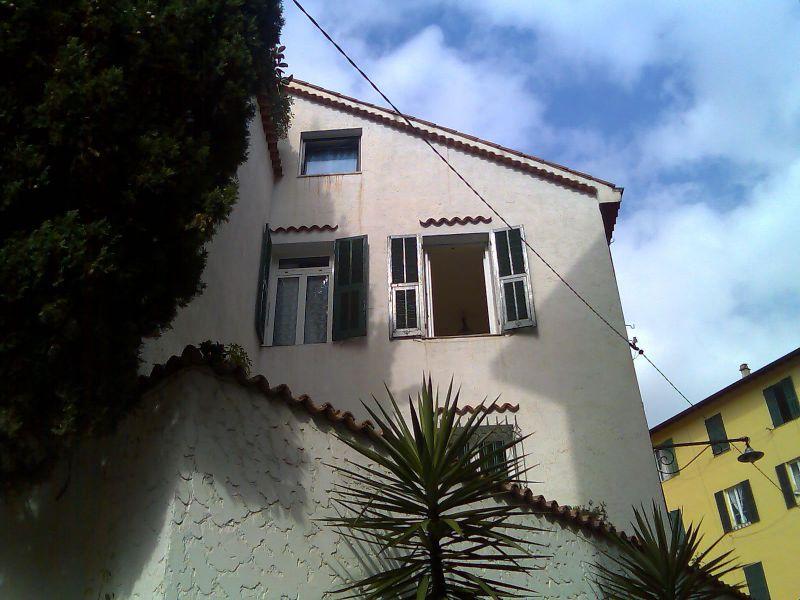 Vista esterna della casa vacanze Affitto Appartamento 26342 Sanremo