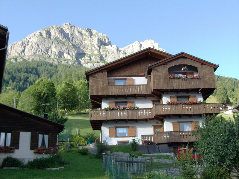 Vista esterna della casa vacanze Affitto Appartamento 28148 Selva di Cadore
