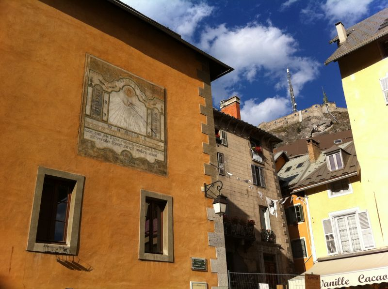 Vista nelle vicinanze Affitto Appartamento 2888 Serre Chevalier