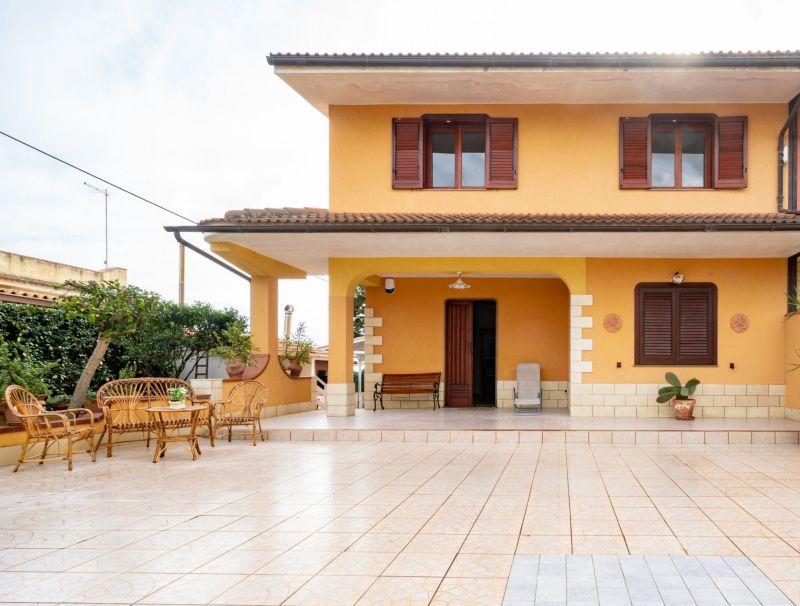 Entrata Affitto Villa  30459 Noto
