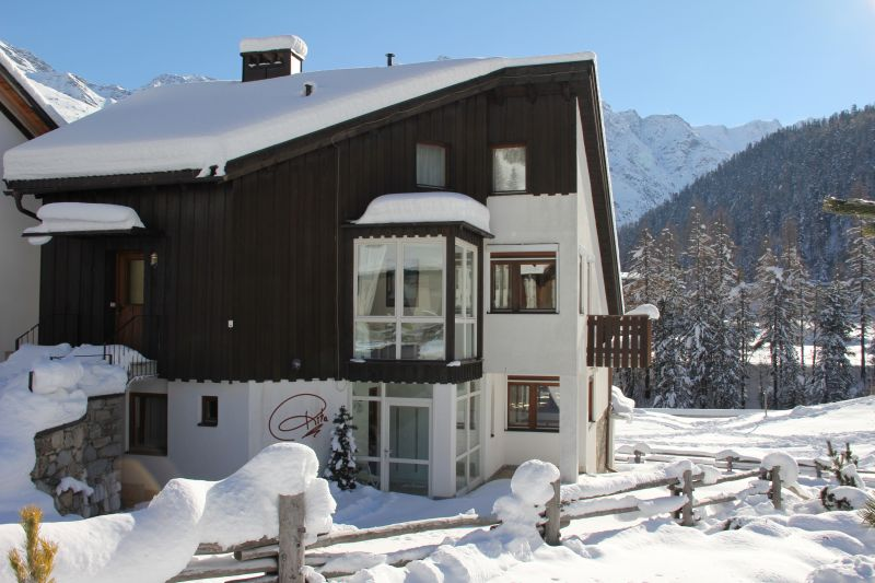 Vista esterna della casa vacanze Affitto Chalet 32968 Solda