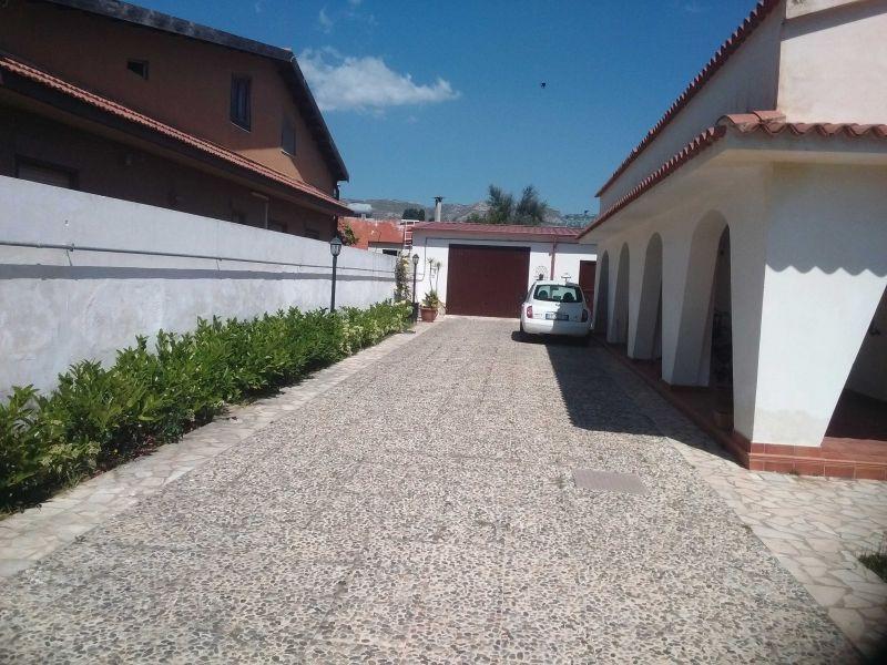 Parcheggio Affitto Appartamento 34142 Avola