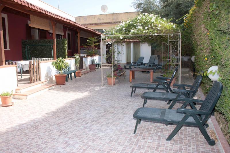 Cortile Affitto Villa  34239 Avola