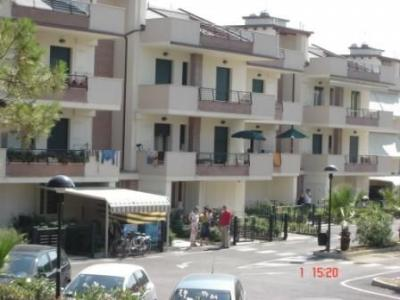 Vista esterna della casa vacanze Affitto Appartamento 35266 Giulianova