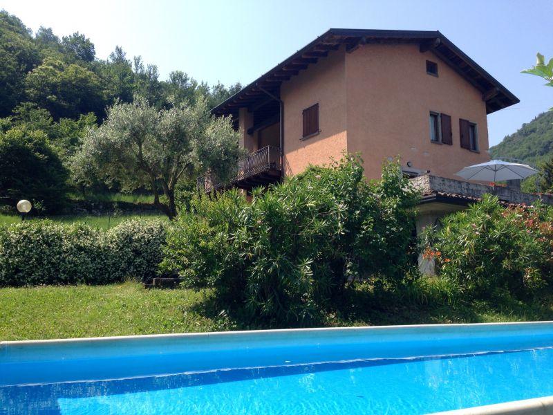 Vista esterna della casa vacanze Affitto Villa  38515 Iseo