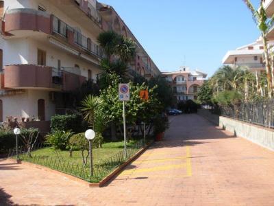 Cortile Affitto Appartamento 39009 Giardini Naxos