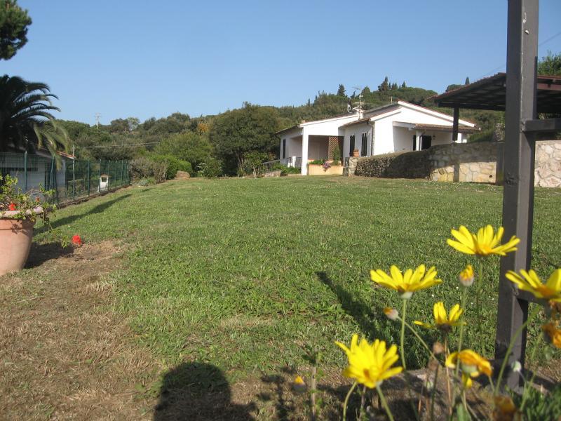 Vista esterna della casa vacanze Affitto Appartamento 39147 Capoliveri