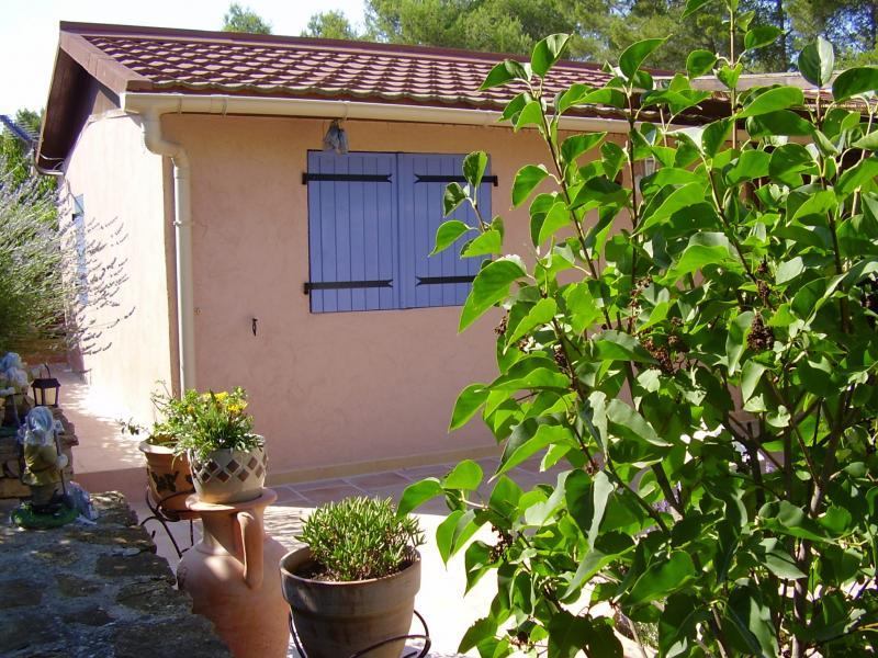 Vista esterna della casa vacanze Affitto Bungalow 39155 Le Castellet