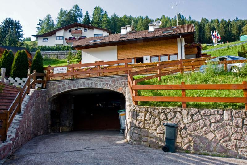 Vista esterna della casa vacanze Affitto Appartamento 39626 Selva di Val Gardena