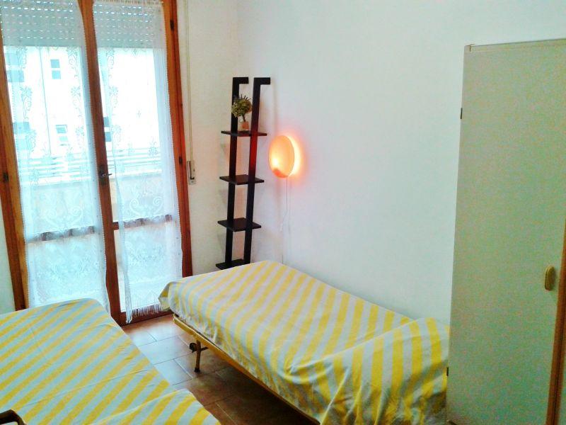 Camera 2 Affitto Appartamento 40527 Rimini