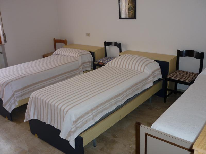 Camera 2 Affitto Appartamento 42671 Roseto degli Abruzzi