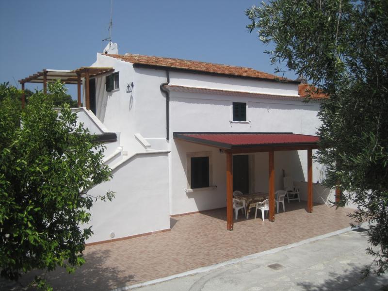 Vista esterna della casa vacanze Affitto Appartamento 43227 Rodi Garganico
