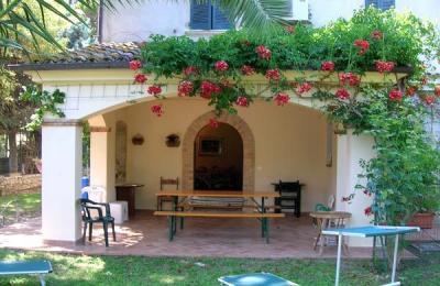 Vista esterna della casa vacanze Affitto Appartamento 45448 Cupra Marittima