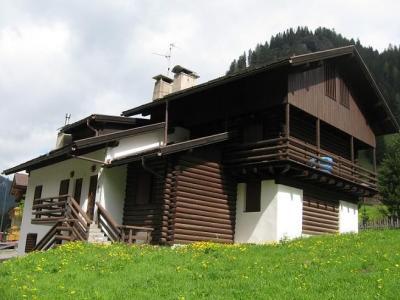 Vista esterna della casa vacanze Affitto Appartamento 45784 Canazei - Belvedere