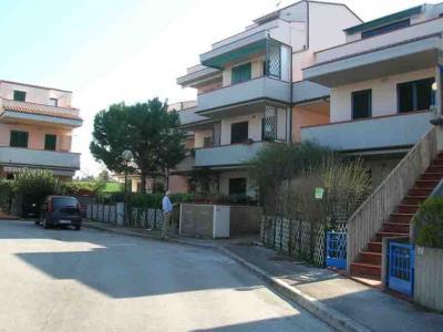 Vista esterna della casa vacanze Affitto Appartamento 45854 Numana