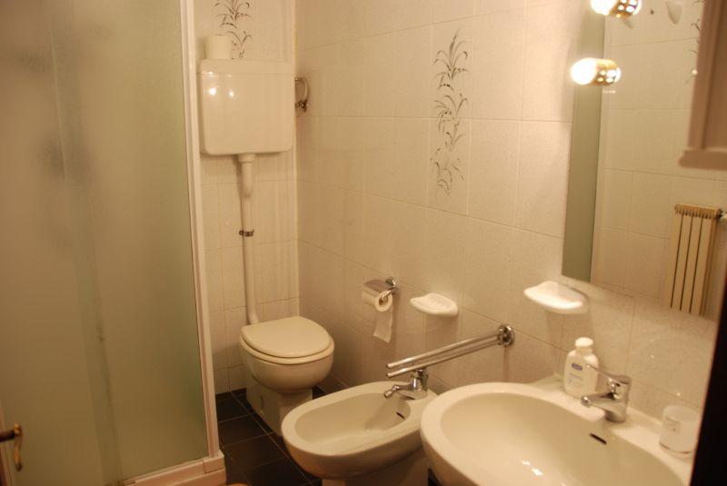 Bagno Affitto Appartamento 46813 Savona