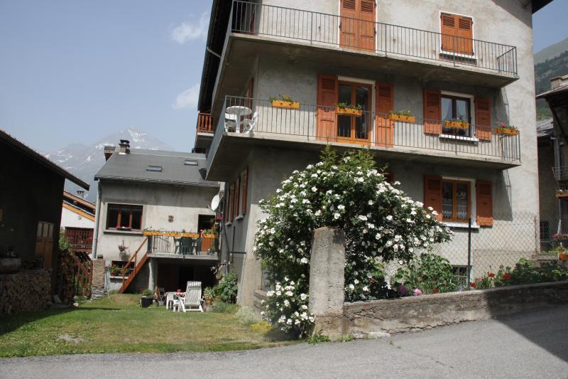Vista esterna della casa vacanze Affitto Appartamento 48893 Val Cenis