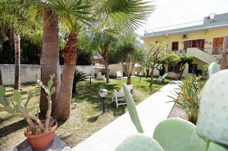 Giardino Affitto Villa  50885 Avola