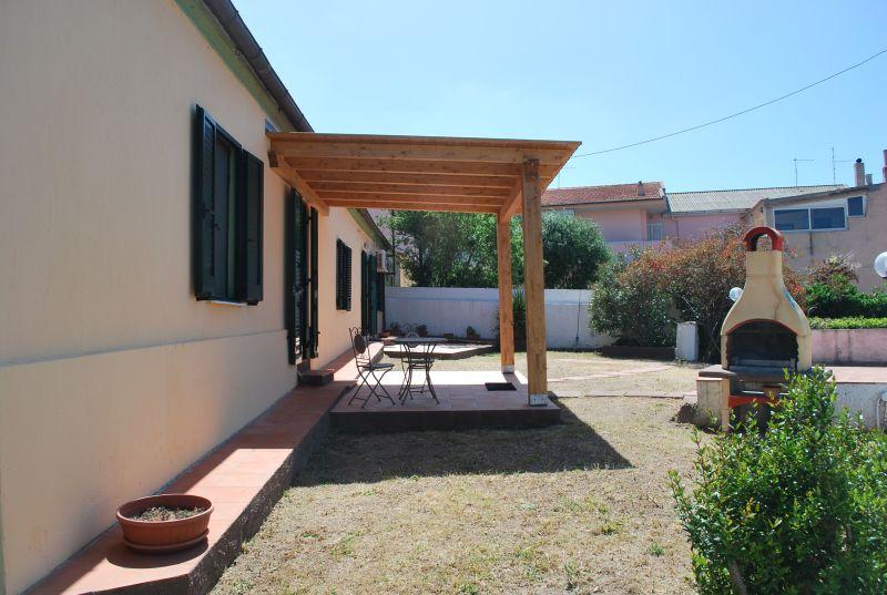 Vista esterna della casa vacanze Affitto Casa 51986 Badesi