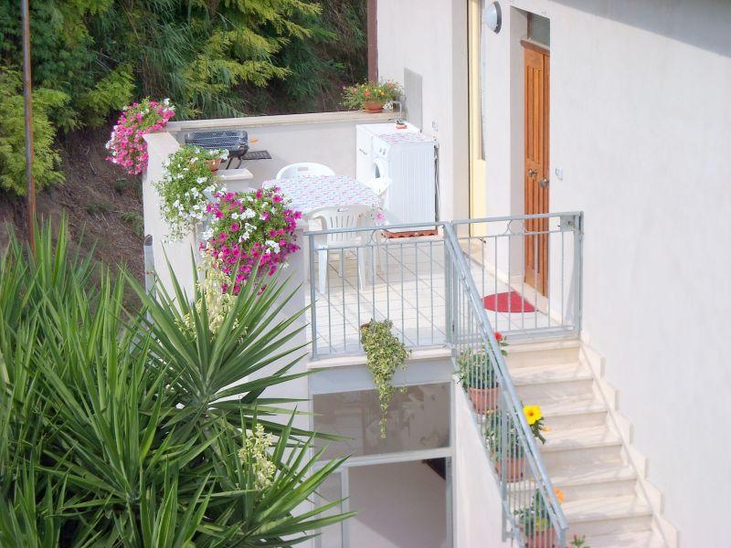 Terrazzo 1 Affitto Appartamento 52647 Cupra Marittima