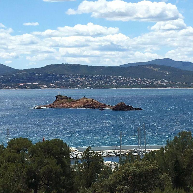 Vista dalla casa vacanze Affitto Appartamento 54130 Saint Raphael