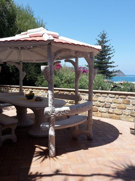 Vista esterna della casa vacanze Affitto Villa  54358 Capo d'Orlando