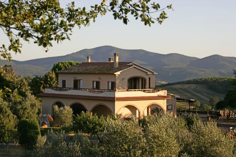 Vista esterna della casa vacanze Affitto Villa  55549 Roccastrada