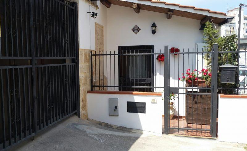 Entrata Affitto Monolocale 56253 Palermo