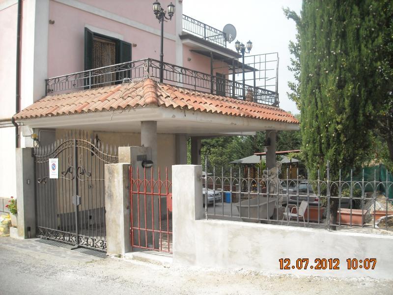 Vista esterna della casa vacanze Affitto Appartamento 57699 Ceraso