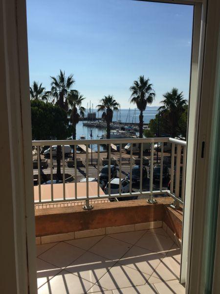 Vista dalla casa vacanze Affitto Appartamento 5831 Hyères