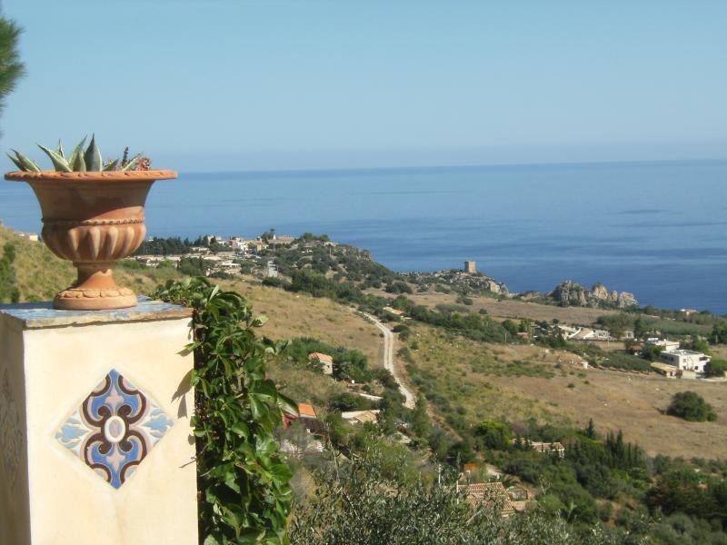 Vista dalla casa vacanze Affitto Villa  58328 Scopello