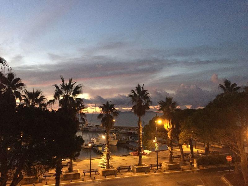 Vista dal terrazzo Affitto Appartamento 5835 Hyères