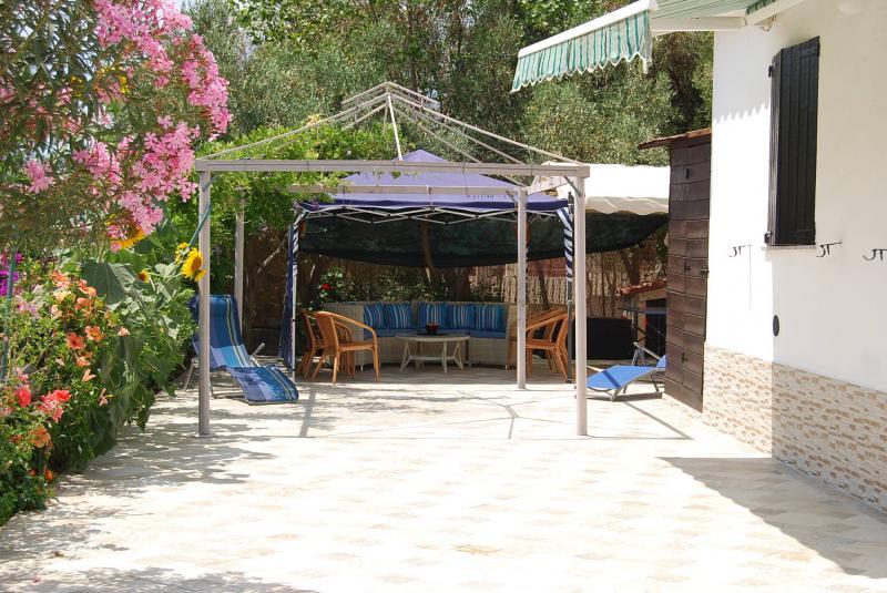 Parcheggio Affitto Villa  59840 Villasimius