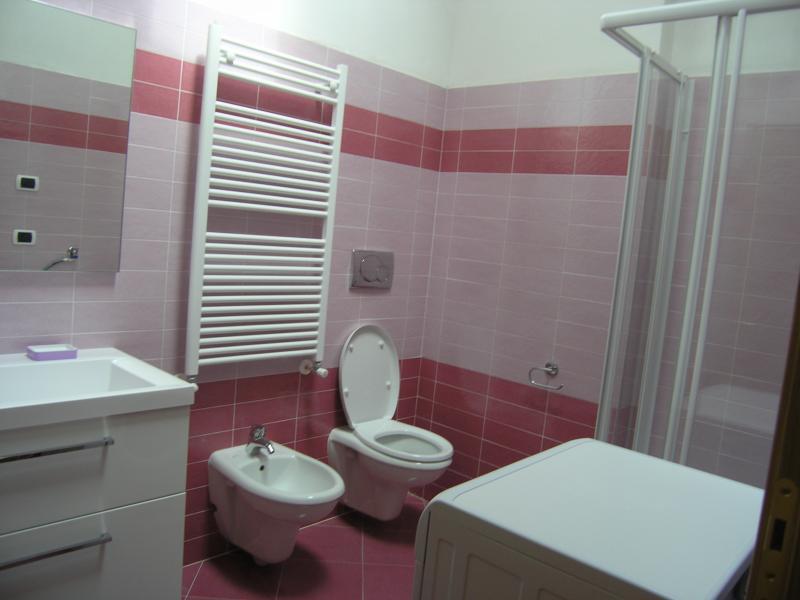 Bagno Affitto Appartamento 62369 Malè