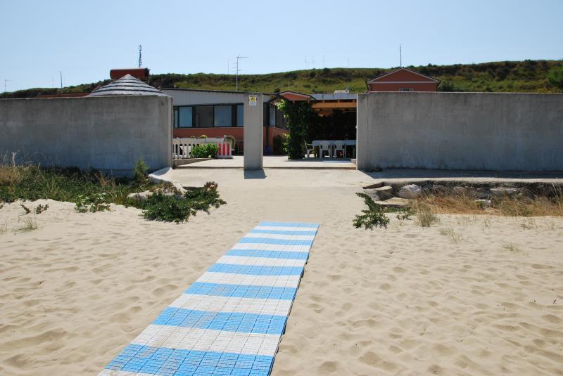 Vista esterna della casa vacanze Affitto Appartamento 62535 Termoli