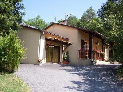 Vista esterna della casa vacanze Affitto B&B 62910 Montignac sur V�z�re (Grottes de Lascaux)