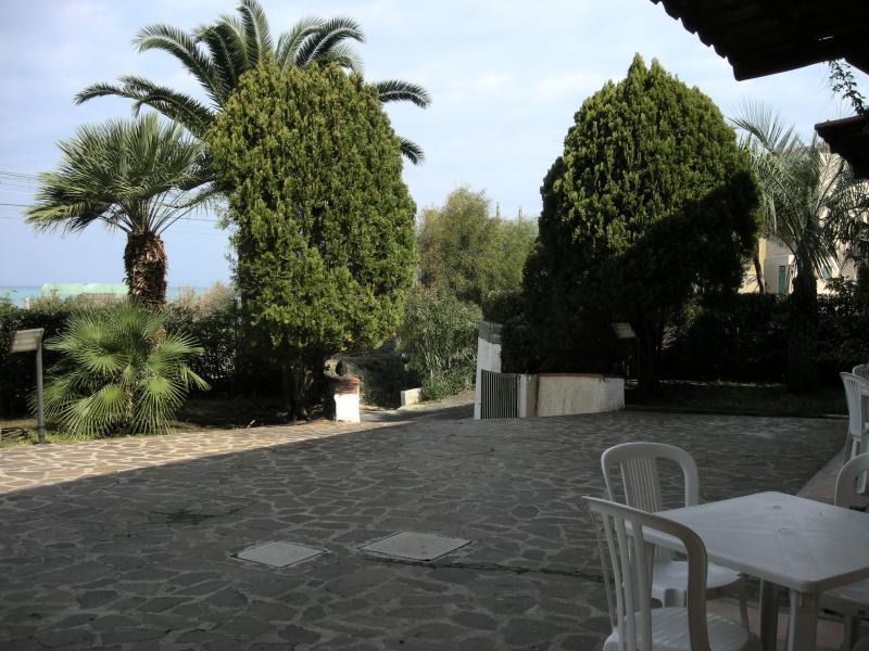 Vista dalla casa vacanze Affitto Monolocale 63200 Gioiosa Marea