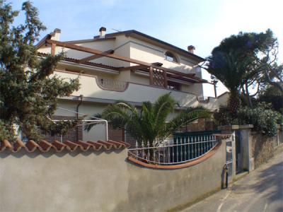 Vista esterna della casa vacanze Affitto Appartamento 63416 San Vincenzo