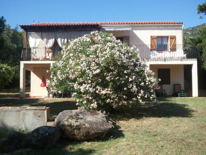 Vista esterna della casa vacanze Affitto Villa  7874 Porto Pollo