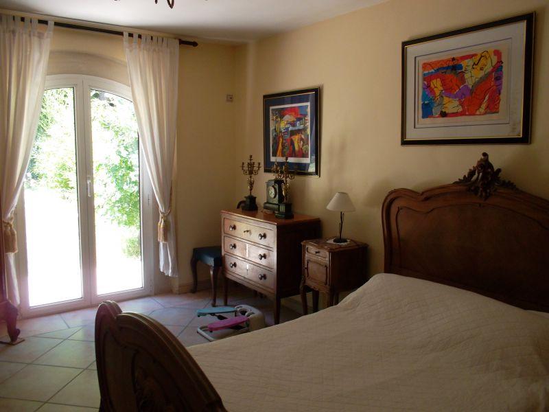 Camera 2 Affitto Villa  8409 Cassis