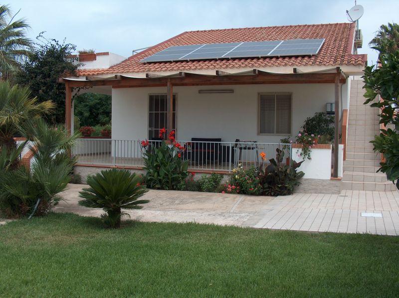 Vista esterna della casa vacanze Affitto Appartamento 104383 Marina di Ragusa