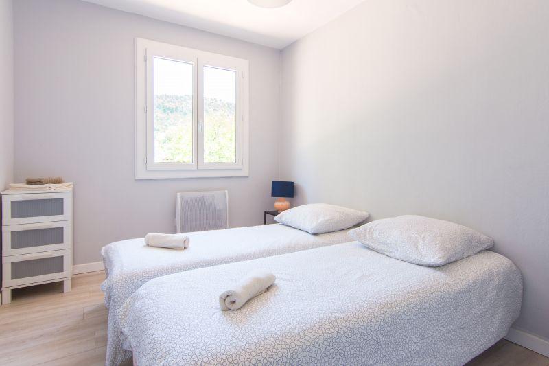 Camera 1 Affitto Villa  118238 Ceyreste