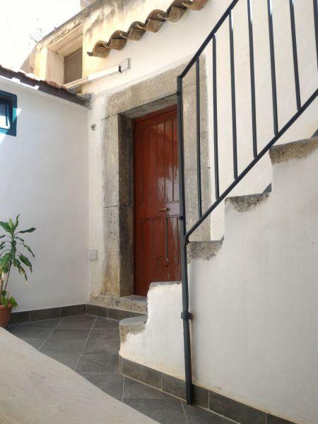 Entrata Affitto Monolocale 65168 Cefalù
