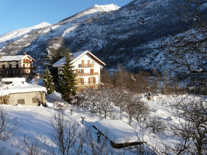 Vista esterna della casa vacanze Affitto Appartamento 69139 Auron - Saint Etienne de Tinée