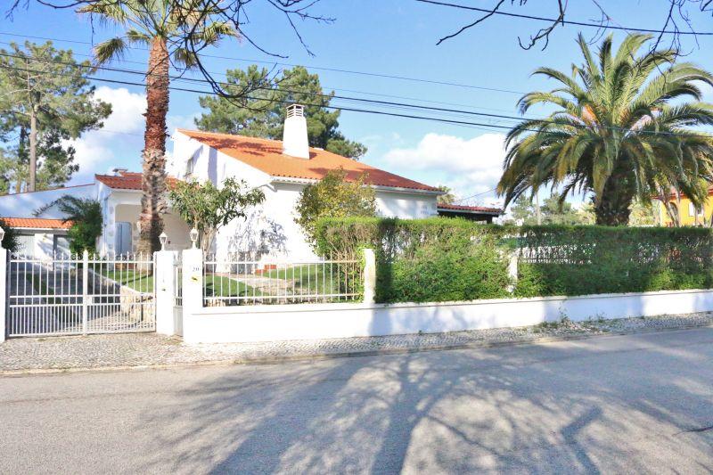 Vista esterna della casa vacanze Affitto Villa  78951 Lisbona