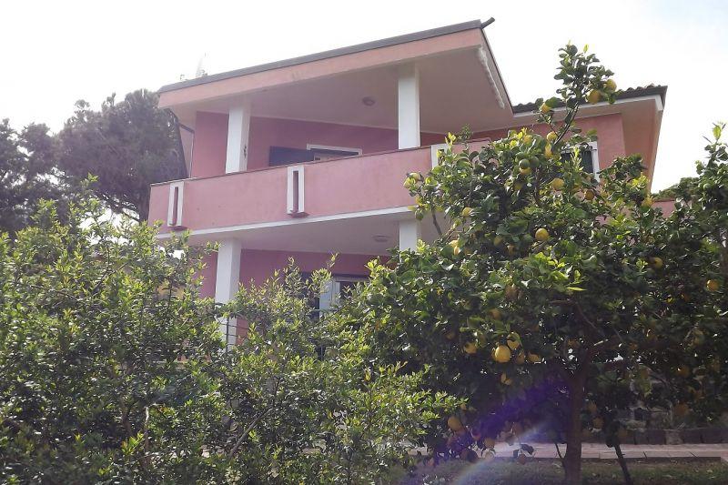 Vista esterna della casa vacanze Affitto Appartamento 86163 Cala Liberotto