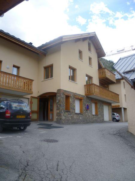 Vista esterna della casa vacanze Affitto Appartamento 97230 Valloire