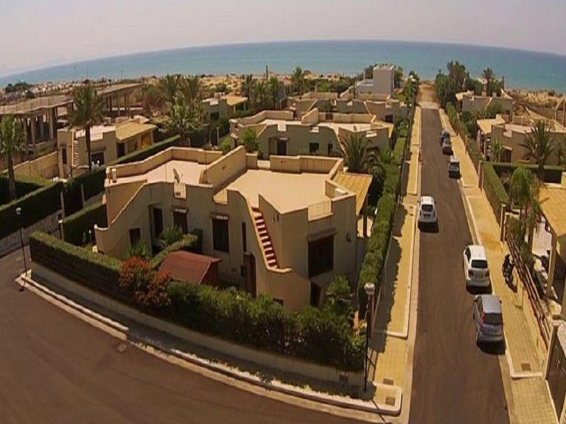 Vista esterna della casa vacanze Affitto Appartamento 107968 Tre Fontane