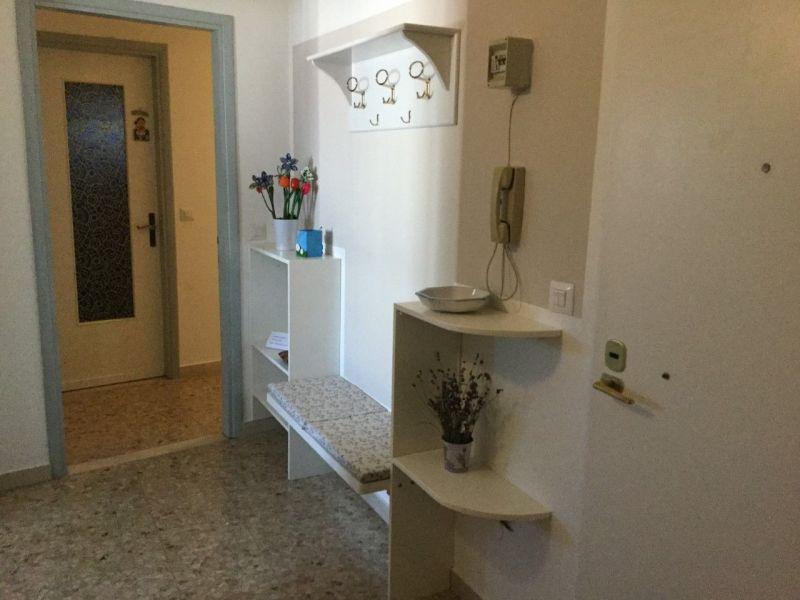 Entrata Affitto Appartamento 110006 Peschiera del Garda