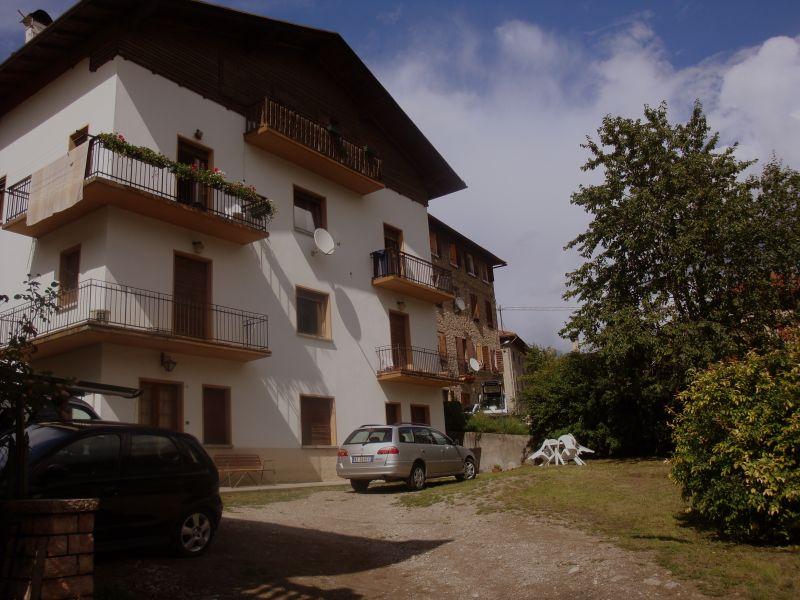 Vista esterna della casa vacanze Affitto Appartamento 110350 Auronzo di Cadore